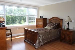 Studio Bedroom - Tappan Zee Manor