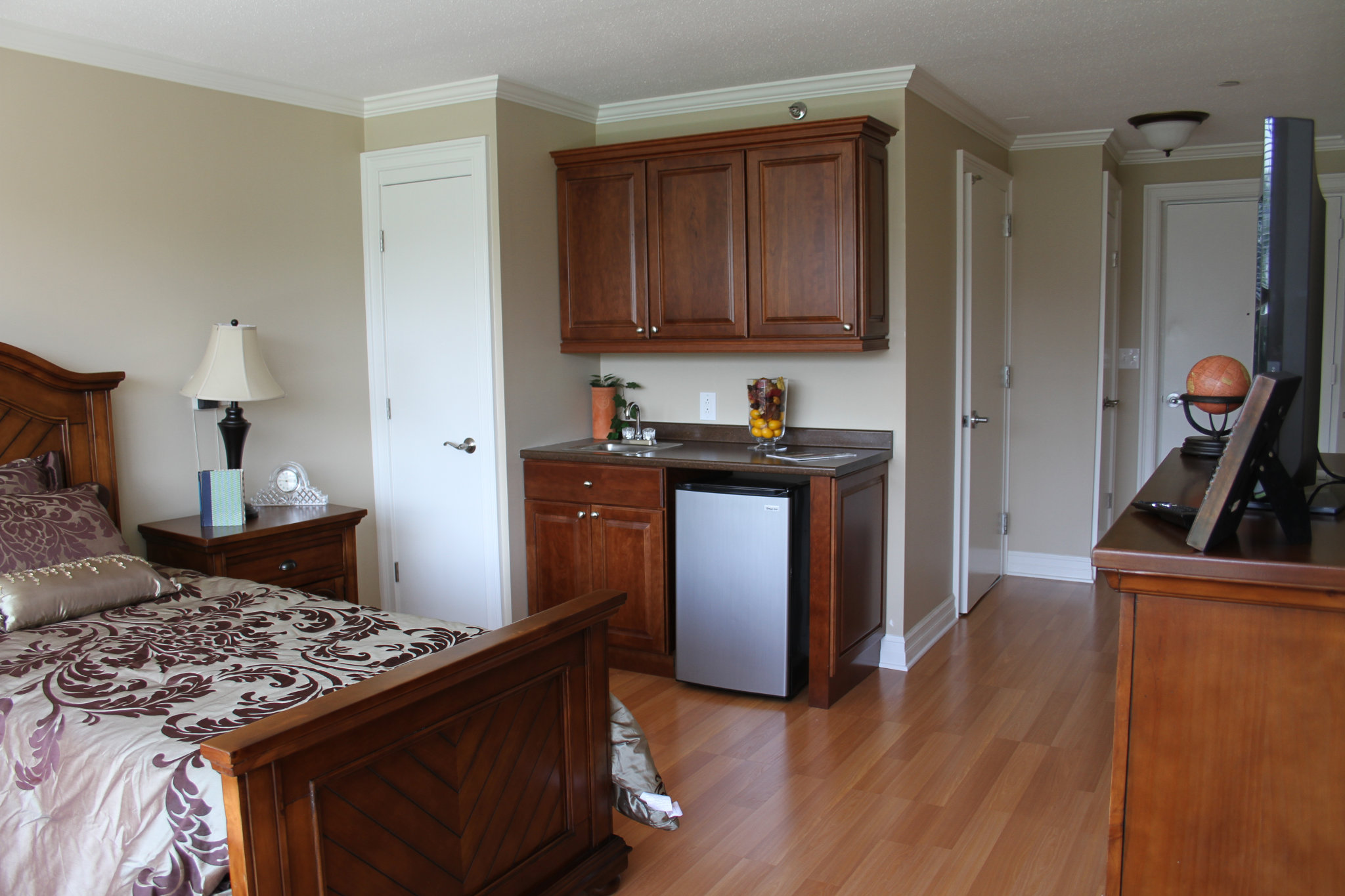 Studio Kitchenette - Tappan Zee Manor