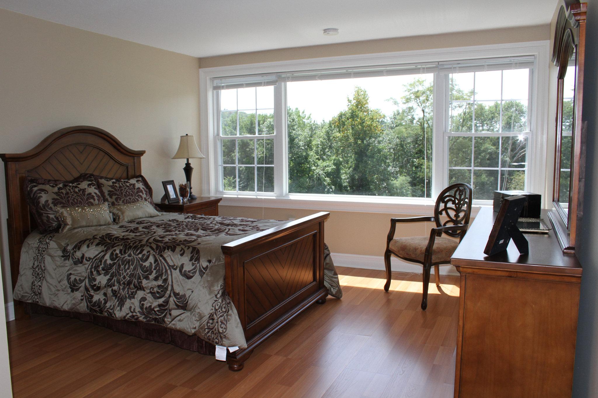 Suite Bedroom - Tappan Zee Manor